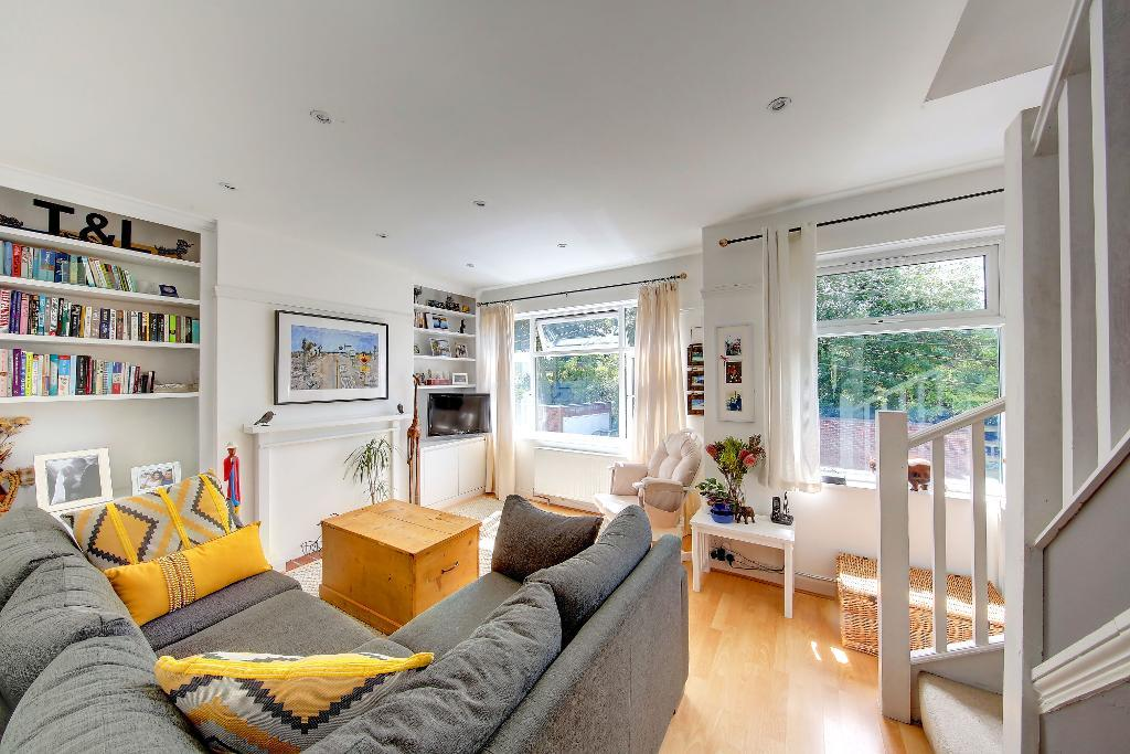 Rothesay Avenue, London, SW20 8JU
