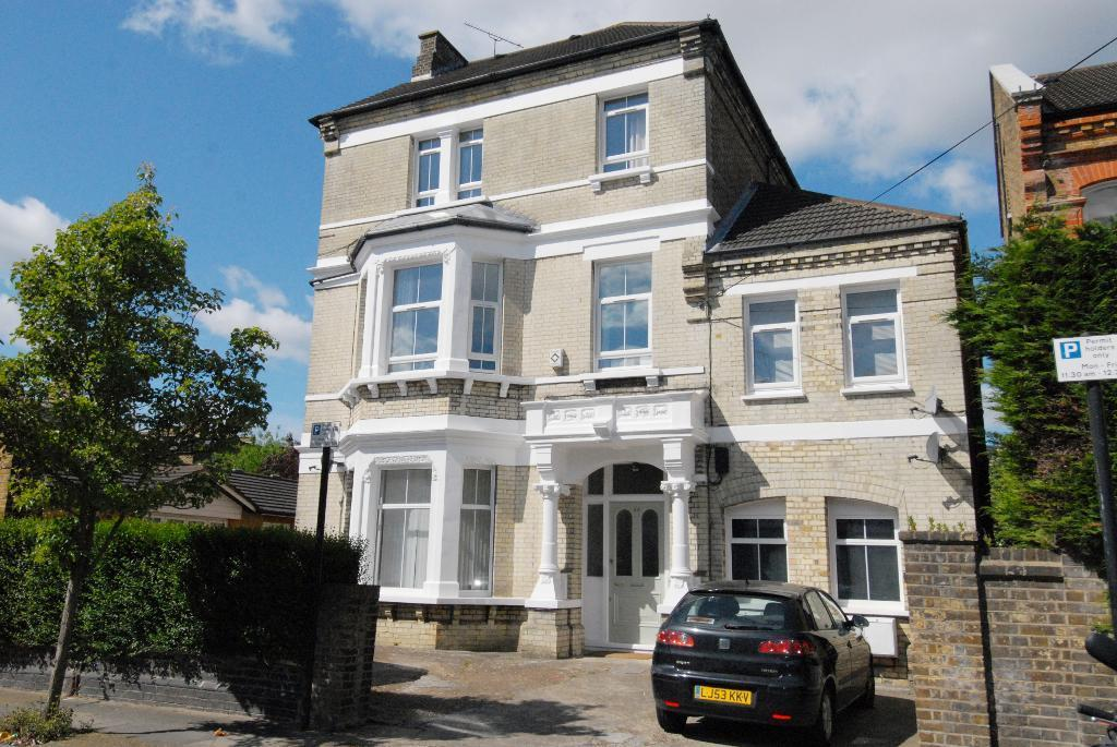 Ouseley Road, Balham, London, SW12 8EF