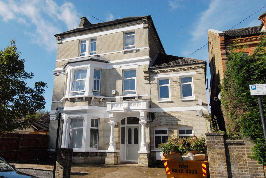Ouseley Road, Balham, SW12 8EF