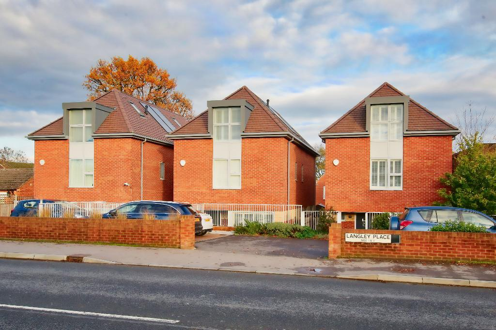 Langley Place, Guildford, Surrey, GU2 9AN